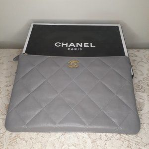 CHANEL - 19 LARGE POUCH Gray